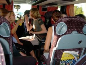 Nur keine Langeweile im Bus!